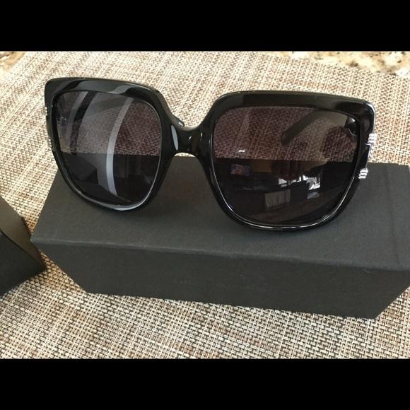 d8998fd7a5160 Christian Dior Authentic Sunglasses 🕶